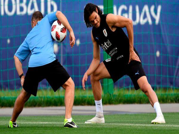 Tin bóng đá chiều 23/10: Cavani là cầu thủ M.U đang rất cần