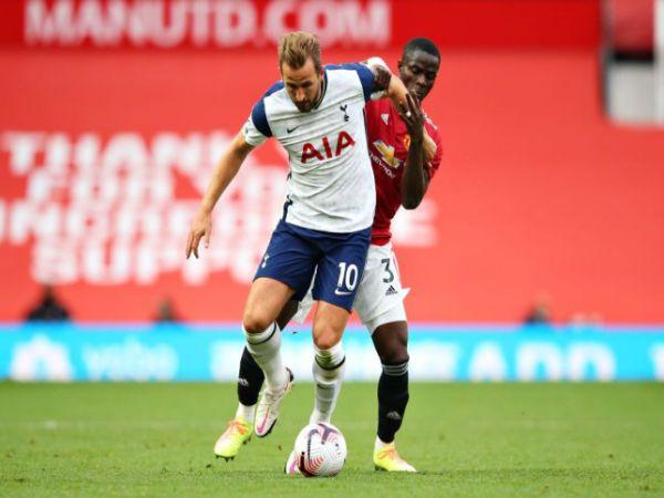 Tin bóng đá chiều 5/10: Evra chỉ ra cầu thủ chơi tệ nhất của MU