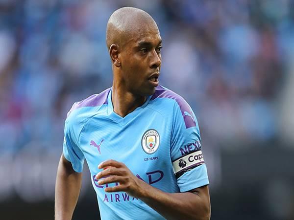 Chuyển nhượng BĐ Anh 18/6: Man City gia hạn với Fernandinho